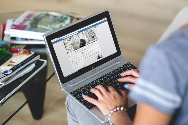 El Tribunal Supremo avala el acceso de los padres a las cuentas de Facebook de sus hijos para evitar el ciberacoso