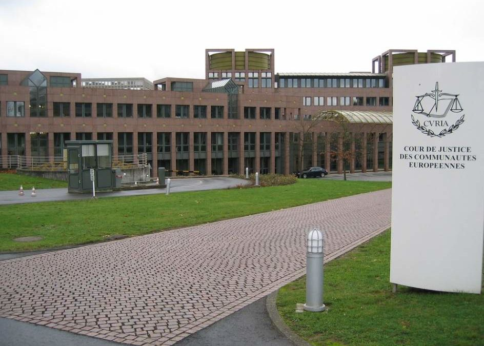 La justicia europea sentencia que los interinos deben tener indemnización por despido